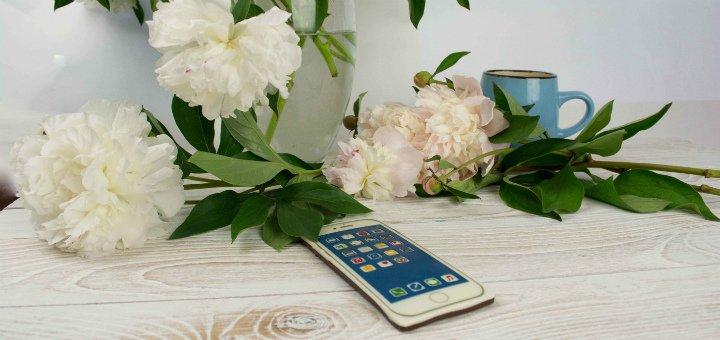 Скидка 20% на шоколадную открытку «iPhone 7s PLUS» в интернет-магазине «CHOCOLINO»
