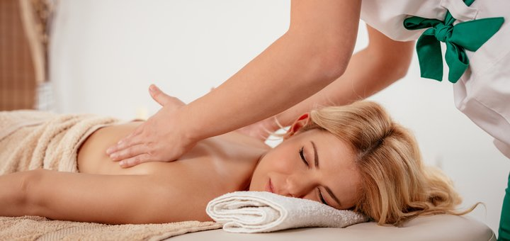 До 10 сеансов лечебного массажа спины или шейно-воротниковой зоны от салона «Laresh»