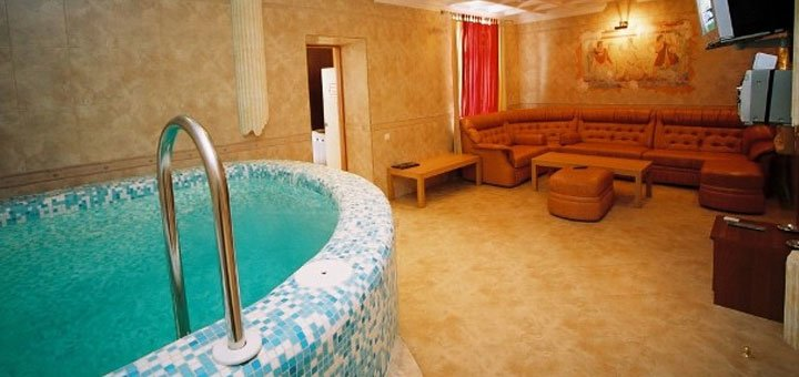 От 2 дней отдыха с пакетом «Романтический» в отеле «Морской 4*» в Одессе