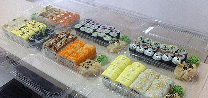 Скидка 50% на все суши, роллы и сеты в суши-маркете «Gold Fish»