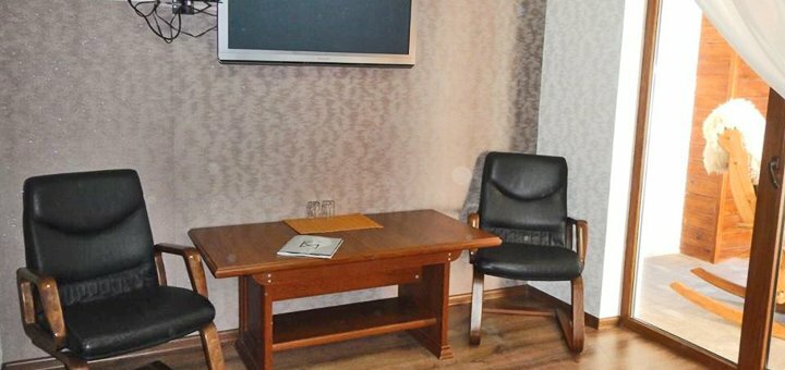От 3 дней весеннего отдыха с питанием и сауной в отеле «Фортеця Мигово» в Карпатах