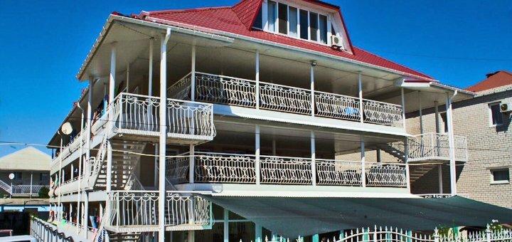 От 3 дней отдыха в июне в отеле «Айсберг» в Железном Порту на первой линии