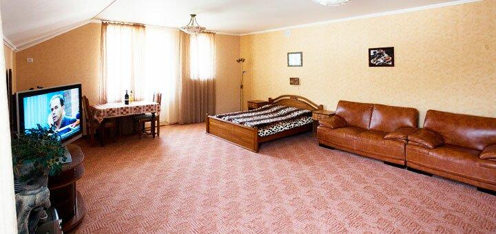 От 3 дней летнего отдыха в отеле «Эдельвейс» в Поляне