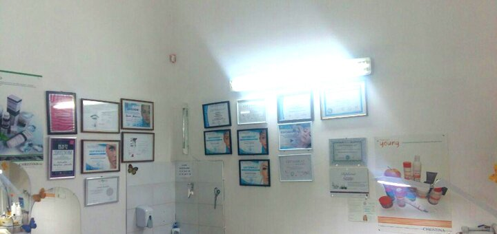До 6 сеансов фракционной микроигольчатой мезотерапии лица или волос в студии «BeautyComplex»