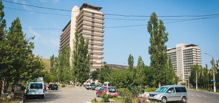 От 12 дней отдыха с питанием и лечением в санатории «Куяльник им. Пирогова» в Одессе