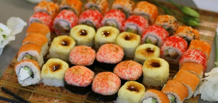 Скидка 60% на килограммовый суши-сет «Нумато» от магазина-ресторана японской кухни «Суши WOK»