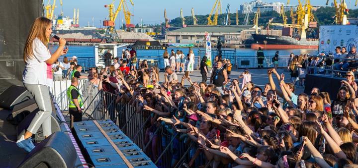 VIP-пропуск на все мероприятия летнего театра «Морвокзал»