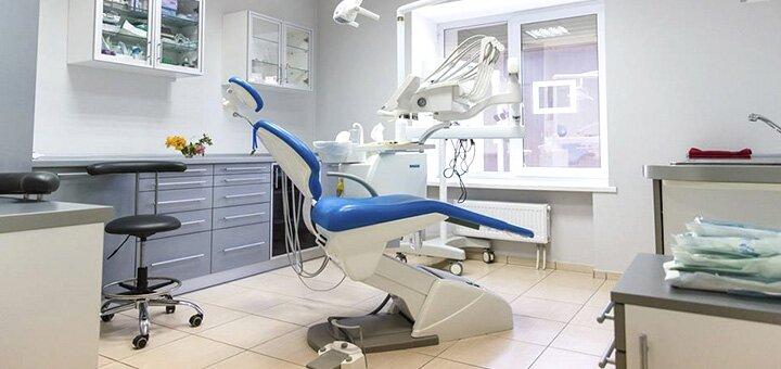Профессиональная ультразвуковая и Air-Flow чистка зубов в стоматологической клинике «DRT Clinic»