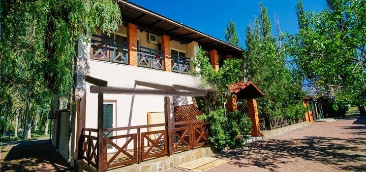 От 3 дней отдыха в августе в отеле «На курорте» в Бердянске на Азовском море