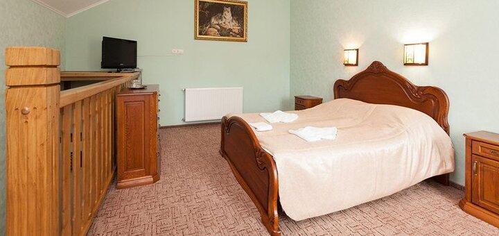 От 3 дней SPA-отдыха с завтраками в отельном комплексе с бассейном «Межгорье» в Яремче