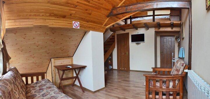 От 3 дней SPA-отдыха в сентябре c завтраками и ужинами в отеле «12 Месяцев-Май» в Славском