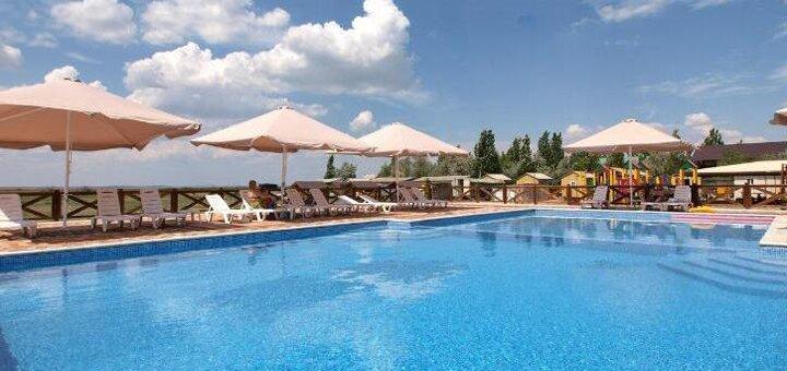 От 3 дней в сентябре на базе отдыха «Гармония» с бассейном с подогревом в Кирилловке