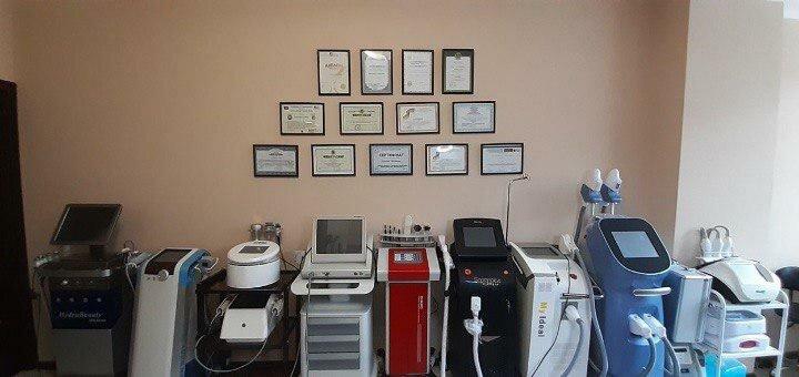 3 сеанса криолиполиза всего тела в центре лазерной косметологии «Della Rossa»