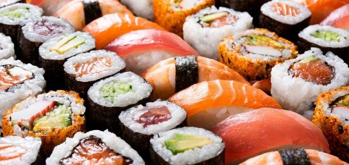 Скидка 50% на суши-сеты до 2-х кг от онлайн-ресторана «Холодильник»