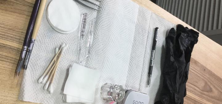 Коррекция и окрашивание бровей в «LUNA Beauty space»