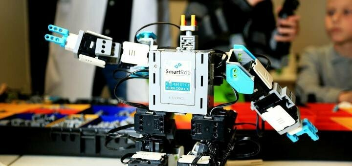 Посещение мастер-класса «Робототехника» от международного центра развития подростков «Kidbi»
