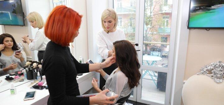 Моделирование, коррекция и окрашивание бровей и ресниц в салоне «AVRA beauty studio»