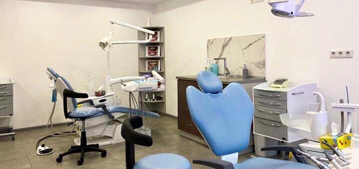 Скидка до 47% на установку имплантов в стоматологической клинике «Diva Dent»