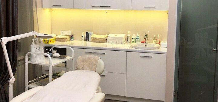 Скидка до 60% на инъекции «Botulax» в косметологии «Beauty Lab»