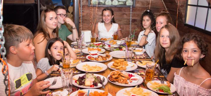 Посещение квест-комнаты «Бабушка Гренни» для детей от сети «quest.od.ua»