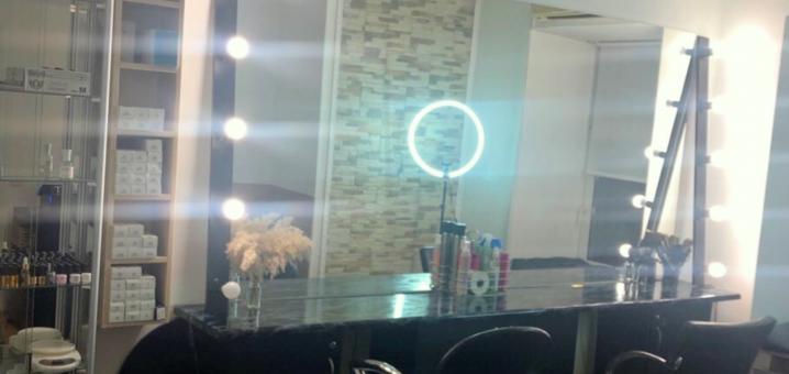 Скидка до 58% на реконструкцию и восстановление волос в студии красоты «Тouch.beauty»