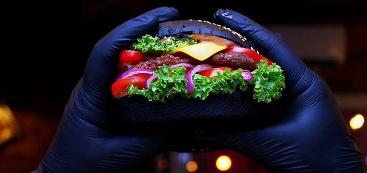 Скидка 50% на меню кухни в кафе-пиццерии «ZAYceBAR»