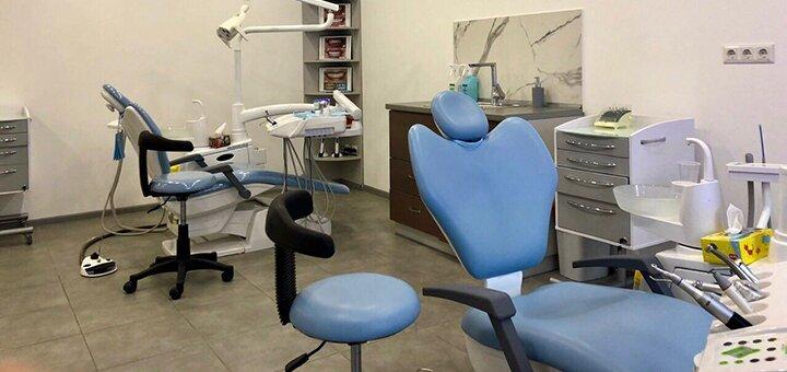Скидка до 47% на установку керамических виниров «E-max» или композитных виниров в клинике «Diva Dent»